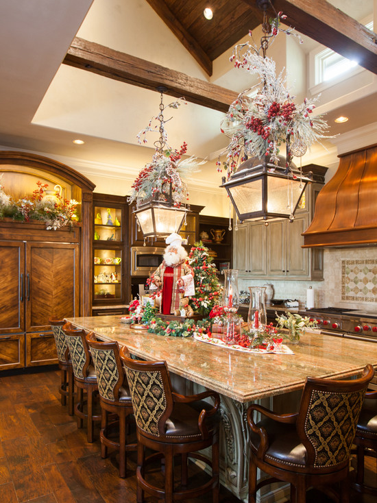 Christmas Design Idea for Traditional Kitchen