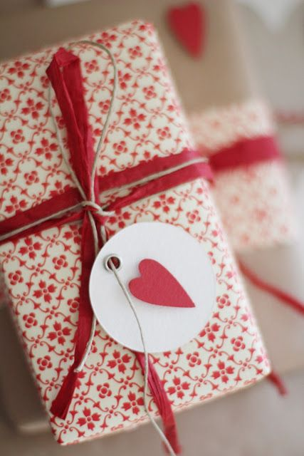 Holiday Gift Wrapping 1